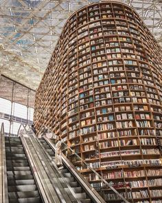 This gorgeous place is the Starfield Library in Seoul. The library's giant shelves are packed with over books. What's your favorite library or bookstore in the world? 📸: Photo regrammed from intrepid explorer Beautiful Library, Dream Library, Library Books, Open Library, Tianjin, Voyager Loin, Destination Voyage, Book Nooks, Travel And Leisure