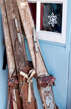 Skis with patina