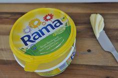 Ob frisch aufs Brot oder beim Kochen, Braten und Backen - Rama passt einfach immer! Sie besteht aus wertvollen pflanzlichen Ölen und Fetten und ist besonders streichzart - das kommt bei der ganzen Familie gut an.