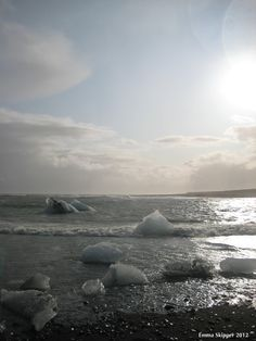Icebergs head out to sea