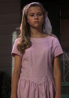 Dani (Reese Witherspoon) - The Man in the Moon Reese Witherspoon Young, Reese Whitherspoon, Pink And White Dress, Legally Blonde, Pretty People, My Girl, Cool Hairstyles, Hollywood, Celebs