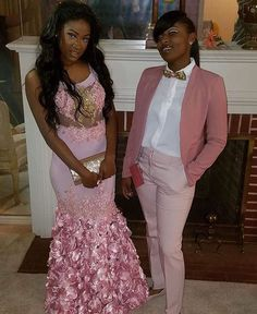 Prom Suit styles for Daniela Prom Couples, Lesbian Couples, Homecoming Outfits, Prom Goals, Prom Queens, Black Prom, Senior Prom, Prom Pictures, Prom Night