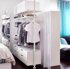 Skapa en rumsavdelare med STOLMEN klädförvaringssystem.