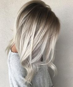Tired of wearing the same blonde hair colors? Check out the latest blond hairstyles for 2020 here. Tired of wearing the same blonde hair colors? Check out the latest blond hairstyles for 2020 here. Icy Blonde, Platinum Blonde Hair, Blonde Hair With Dark Roots, Dark Roots Blonde Hair Balayage, Winter Blonde Hair, Blonde Color, Golden Blonde, Blonde Root Drag, Cool Toned Blonde Hair