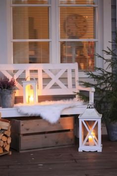 porches cozy home Beautiful And Cozy Winter Terrace Dcor Ideas To Try Winter Porch, Winter Garden, Cozy Winter, Christmas Inspiration, Garden Inspiration, Led Garden Lights, Decoration Christmas, Outdoor Living, Outdoor Decor