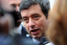 Pd, anche Orlando sfida Renzi, «Mi candido. E dico no alla politica della prepotenza»