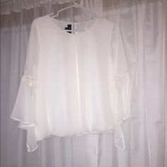 NWOT White Boho Top Just bought and I didn't like the fit! BCX Tops Blouses