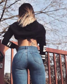 Awesome 39 Beautiful Skinny Jeans Ideas For Women That You Will More Confidence Sexy Jeans, Superenge Jeans, Mom Jeans, Skinny Jeans, Beste Jeans, Sexy Outfits, Fashion Outfits, Girls Jeans, Girl Fashion