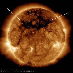 gigantesco+buco+atmosfera+sole