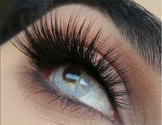 Strip lashes vs eyelash extensions