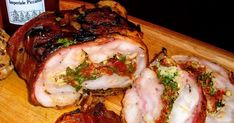 Kuřecí roláda se špenátem, sušenými rajčaty a sýrem s modrou plísní Pečeno ve formě na srnčí hřbet o rozměrech 10 x 30 centimetrů... Pork, Food And Drink, Menu, Dinner Ideas, Cooking, Kale Stir Fry, Menu Board Design, Supper Ideas, Pork Chops