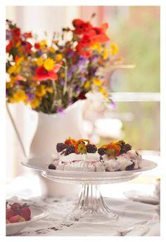 Blackberries & cheese vacherin