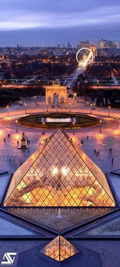 #Louvre muséum - Paris, view from the palace, towards the Champs-Elysées …