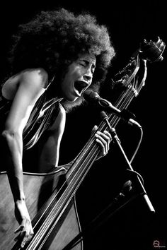 Esperanza Spalding - photography by Andrea Palmucci Music Love, Music Is Life, Esperanza Spalding, Musician Photography, Jazz Art, Music Photo, Jazz Musicians, Music Humor, Jazz Blues