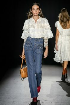 Zadig & Voltaire Spring 2020 Ready-to-Wear Collection - Vogue Source by jclazz fashion 2020 2020 Fashion Trends, Spring Fashion Trends, Fashion 2020, Paris Fashion, Spring Summer Fashion, Runway Fashion, Fashion Show, Womens Fashion, Vogue Paris