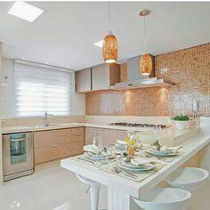 Cozinha linda de viver por Armstrong Arquitetura .