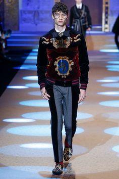 Dolce Gabbana Herbst/Winter Menswear - Fashion Week, Seite 83 ( Deutschland - look Boys New Fashion, Mens Fashion 2018, Autumn Fashion 2018, Future Fashion, Fall Fashion Trends, Fashion Brands, Dolce & Gabbana, Fashion Show Collection, Fashion Images