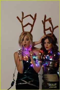 ashley benson lucy hale, lmao Vollmer and Yost they had the same idea as us! Ashley Benson, Divas, Pretty Litte Liars, Just Jared, Celebrity Gossip, Pretty Pictures, Girl Crushes, Actors & Actresses, Female Actresses