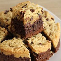 Brookie to die for! (Mi-Brownie - Mi-Cookie)- Brookie à tomber! (Mi-Brownie – Mi-Cookie) Brookie to die for! Chewy Sugar Cookies, Best Sugar Cookies, Sugar Cookies Recipe, Cookies Et Biscuits, Cookie Recipes, Dessert Recipes, Brownie Recipes, Strudel, Cake Factory