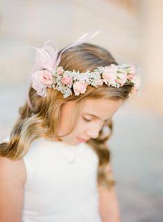 Adorable flower girl! Follow us: http://www.jevelweddingplanning.com http://www.facebook.com/jevelweddingplanning/ www.pintereste.com/jevelwedding/