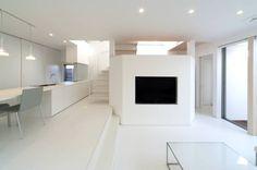 N-house-磐田: LIC・山本建築設計事務所が手掛けたモダン家です。