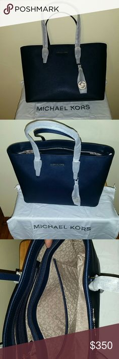 Selling Michael Kors purse and wallet Selling a brand new Michael Kors purse and brand new Michael Kors wallet style for both Jet Set travel in blue beautiful and new Michael Kors Bags Totes