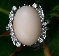 Vintage 18k White Gold Coral Diamond Ring Estate Jewelry