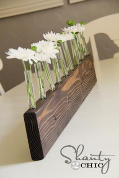 2x4 Projects to Bring Out Your Inner Carpenter | 2x4 Projects: Floral Table Runner