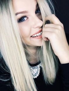Image in beaUtiful girls💋 collection by Ελευθερία Αλεβιζάκη Dean Thomas, Best Makeup Products, Pure Products, Youtuber, Unicorn Hair, Youtube Stars, Cute Faces, Beauty Queens, Girl Crushes