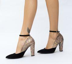 Pantofi cu toc gros inalt cu sclipici Cape, Shoes, Fashion, Mantle, Moda, Cabo, Zapatos, Shoes Outlet, Fashion Styles