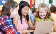 Today's students have a multitude of learning resources at their fingertips. Here are five outstanding online collaboration tools for classroom use. Science Student, Middle School Science, Education English, Elementary Education, Teaching Government, Thing 1, Blended Learning, Education Quotes For Teachers, Learning Resources