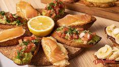 Idei de platouri cu aperitive - Crostini · Delicatese.net Fresh Rolls, Avocado Toast, Bruschetta, Mozzarella, Guacamole, Nutella, Pesto, Cheese, Breakfast