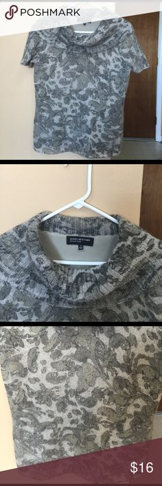 Jones New York Beautiful Top / size is Small ! 'Jones New York' Beautiful Top in cute grey n silver combination. size is Small / has a satin lining. Very cute n elegant piece, u will love it . Jones New York Tops
