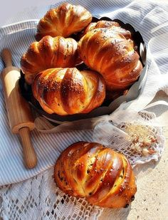 lovely for Easter Rustic Bread, Our Daily Bread, Hungarian Recipes, Home Baking, Pain, Nutella, Bread Recipes, Food To Make, Food And Drink