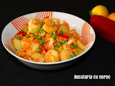 Salata de cartofi si alte legume - Bucataria cu noroc Noroc, Thai Red Curry, Potato Salad, Shrimp, Potatoes, Meat, Ethnic Recipes, Potato