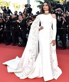 Sonam Kapoor at the From the Land and the Moon premiere, Cannes 2016