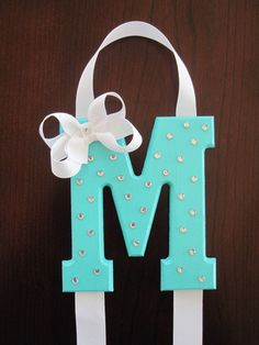 Hair Bow Holder Monogram Wooden Letter by MadiLeighBowtique Baby Crafts, Diy And Crafts, Arts And Crafts, Diy For Kids, Crafts For Kids, Bow Hanger, Craft Projects, Projects To Try, Little Presents