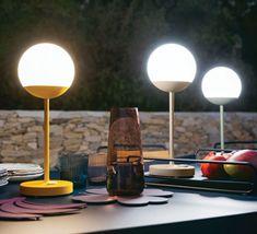 Moon tristan lohner baladeuse d exterieur #lampe #light #baladeuse #tablelamp #aluminium #collection #Moon #Fermob #Frenchdesign #extérieur #outdoor #jardin #garden #terrasse #pratique #functional #dimmable #tactile #design #Nedgis