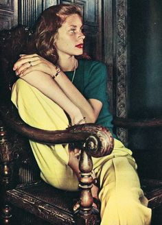 Lauren Bacall, 1945 #style #fashion #brights