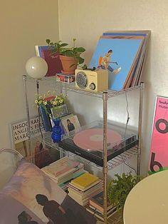 Indie Bedroom, Indie Room Decor, Cute Bedroom Decor, Room Design Bedroom, Aesthetic Room Decor, Room Ideas Bedroom, Bedroom Inspo, Aesthetic Indie, Pastel Room