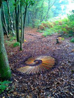 Forest art fossil Keith Beaney Plus Art Sculpture, Outdoor Sculpture, Outdoor Art, Art Et Nature, Nature Crafts, Land Art, Art Environnemental, Ephemeral Art, Forest Art