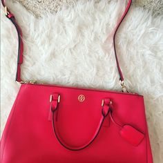 Tory Burch Robinson carnival red Large Selling this beauty to buy more baby wraps 😭❤️  In excellent used condition, only minor thing is a bit of fading and wear on the handles. This is a large Robinson tote and one of my favorites 😭 retails for $575 comes with cross body strap Tory Burch Bags Crossbody Bags