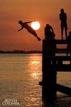 Surrey Tourism/Oscar Marin. #sunset #sunrise #britishcolumbia #surrey #ilovebc #explorebc #britishcolumbiamagazine #crescentbeach #whiterock #pier