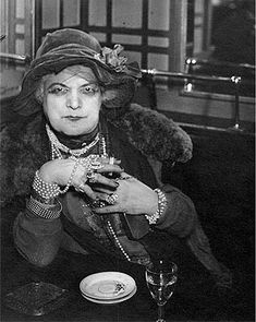 Le Mome Bijou by Brassai…reminds me of Titanic Jack's Madame Bijoux (I think this is were JC got the inspiration ;) )