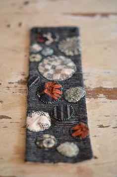 dotty cuff_Arounna by coco knits, via Flickr