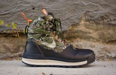 """Nike ACG Lunar Terra Arktos """"Tiger Camo"""" seriously I will do anything to get these Nike Acg, Nike Air Huarache, Nike Boots, Mens Boots Fashion, Sneaker Magazine, Hunting Clothes, Sneaker Boots, Cool Boots, Casual Boots"""