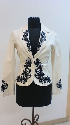 White House Black Market Summer White black floral embroidered jacket - size 2 #WhiteHouseBlackMarket #BasicJacket