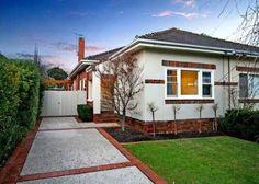 New House Exterior Colors Australia Brick Ideas Exterior Brick Veneer, Brick Facade, Facade House, Concrete Facade, Brick House Colors, Exterior House Colors, Exterior Renovation Before And After, Suburban House, Villa