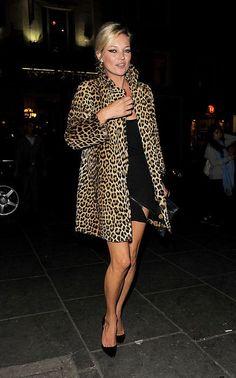 63 Kate Moss in leopard..