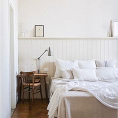 6 Wise Clever Tips: Wainscoting Design House wainscoting grey stairs.Black Wainscoting Dining Room wainscoting entryway board and batten. Dining Room Wainscoting, Faux Wainscoting, Wainscoting Ideas, Beadboard Wainscoting, Cozy Bedroom, White Bedroom, Bedroom Decor, Bedroom Ideas, Bedroom Retreat